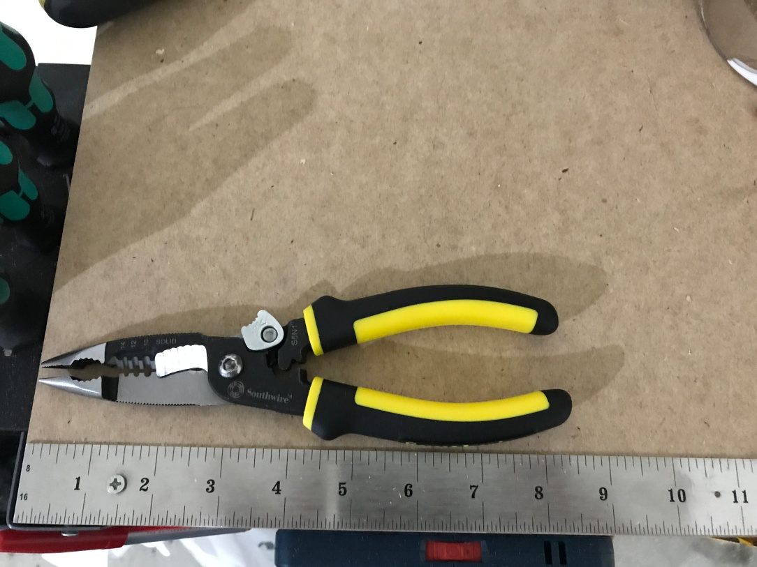 Southwire – 5 in 1 Pliers – The Jimboslice Workshop